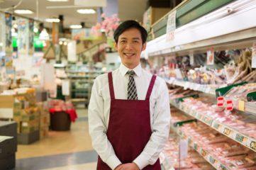 スーパーの従業員