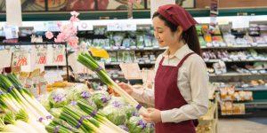スーパーの青果でバイト、包丁は使う?-切り方も紹介-